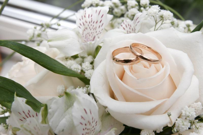 ГРС напоминает о возобновлении услуги  выездной регистрации брака