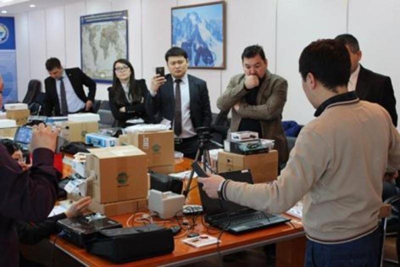 10 сотрудников загранучреждений Кыргызстана были обучены процессу регистрации биометрических данных