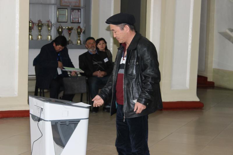 В Оше на 13:00 проголосовало свыше 35 тыс. человек или 30%